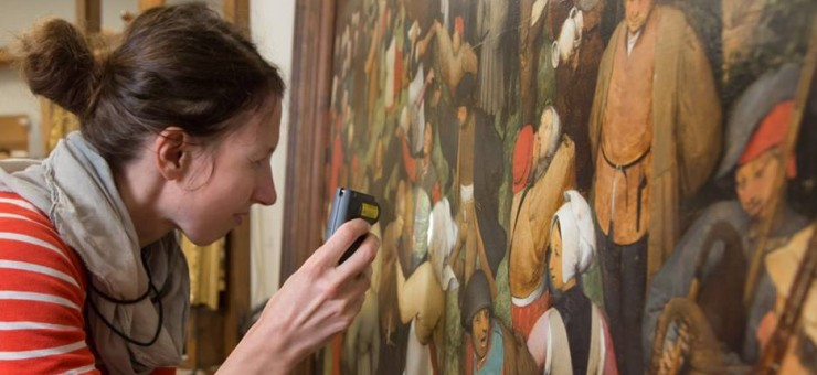 Conserving DIA's paintings
